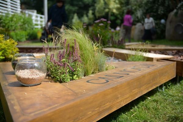 4-mobile-sensory-garden-in-big-city-park