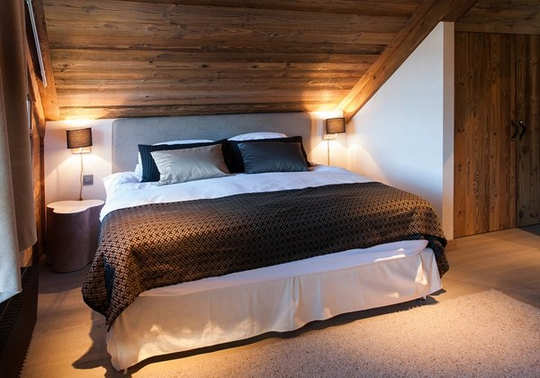 8-total-wooden-chalet-style-apartment-bedroom-interior-design