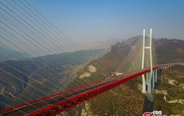8-world's-highest-bridge-world-record-Beipanjiang-Duge-Bridge-China