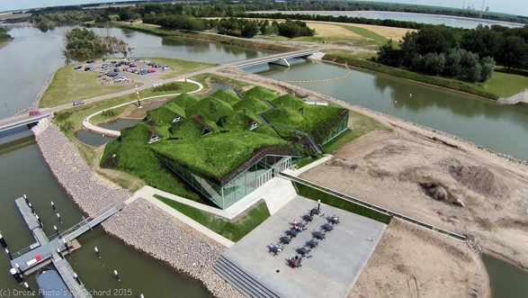 0-Biesbosch-national-park-museum-with-green-living-roof-in-Netherlands