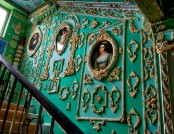 Common Stair in Rococo Style Made by a Retiree for 15 Years