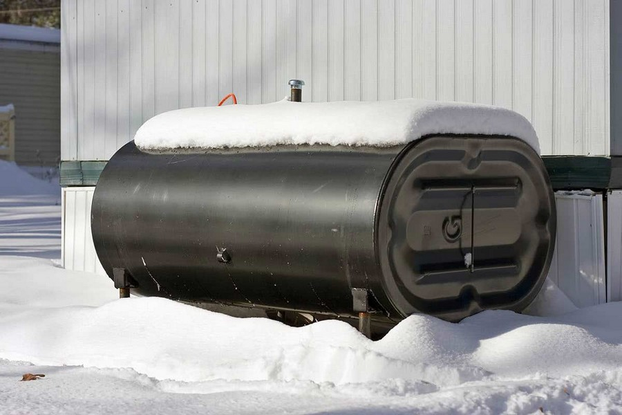 0-domestic-oil-tank-above-ground-outdoor