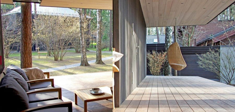 1-bathhouse-sauna-on-open-terrace-with-summer-kitchen-suspended-arm-chair-lounge-zone