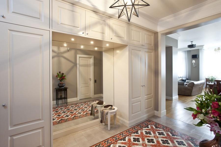 10-Mettlach-tiles-in-interior-design-entry-room-hallway