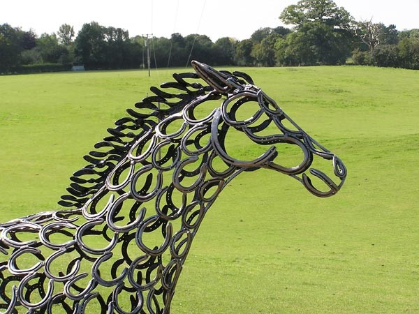 19-horse-race-head-forgen-metal-garden-sculptures-art-from-horseshoes-by-Tom-Hill-England