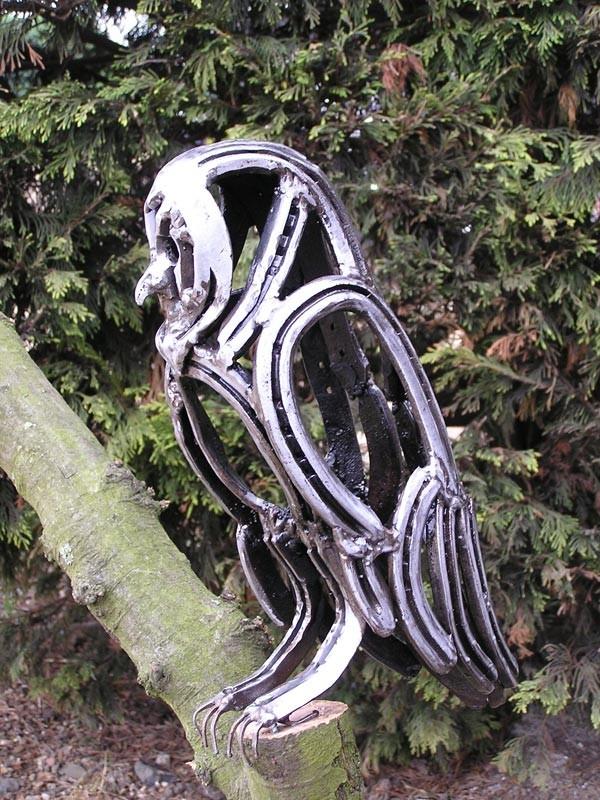 23-bird-owl-forgen-metal-garden-sculptures-art-from-horseshoes-by-Tom-Hill-England