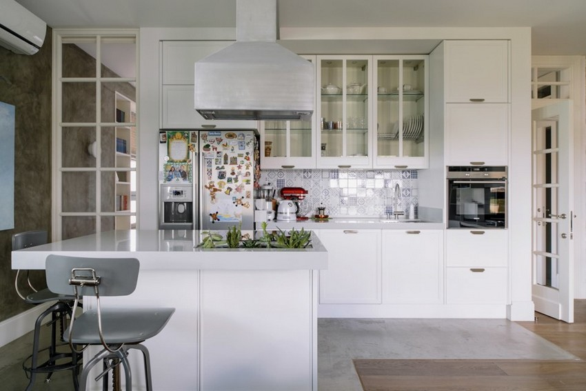 3-1-minimalist-style-white-walls-and-gray-apartment-interior-design-open-concept-kitchen-set-island-cooker-hood-glass-top-cabinets
