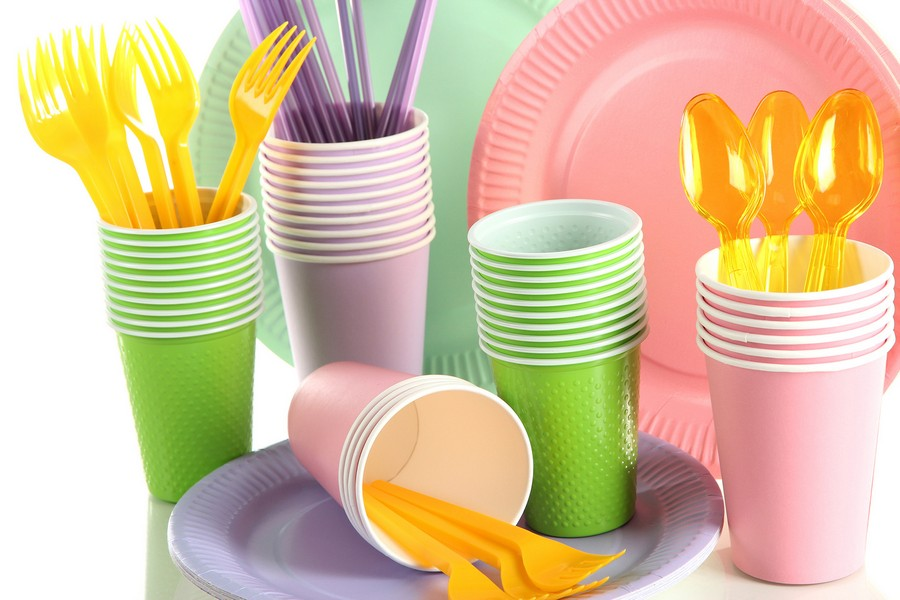 3-multicolor-plastic-tableware-cups-plates-dishes-forks-spoons-knives-lilac-pink-green-orange