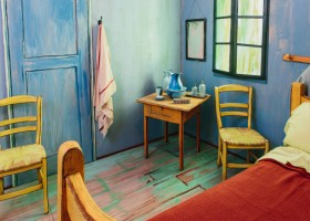 4-vincent-van-gogh-painting-the-bedroom-in-arles-reconstructed-interior-design-copy-in-chicago-blue-walls-19th-century-red-bedspread-yellow-chairs-lilac-door