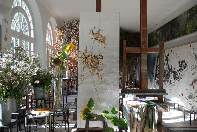 5-claire-basler-naturalist-painter-flower-paintings-nature-contemporary-artworks-studio