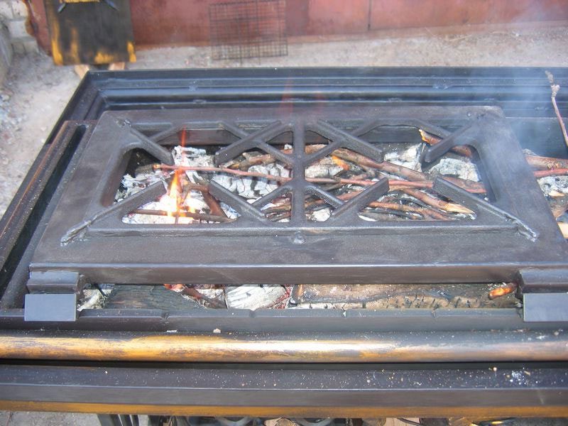 5-handmade-welded-fire-pit-grill-brazier-garden-from-old-vintage-treadle-sewing-machine-Singer-re-use-make-ideas-grill-metal