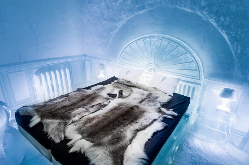 8-icehotel-sweden-cold-ice-room-interior-design-Victorian-style-apartment-hand-carved-ice-figures