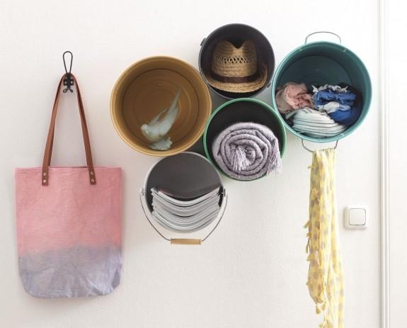 0-DIY-handmade-bucket-shelves-for-hallway-entrance-hall-vintage-rustic-style-organizer-scarves-hats-newspapers