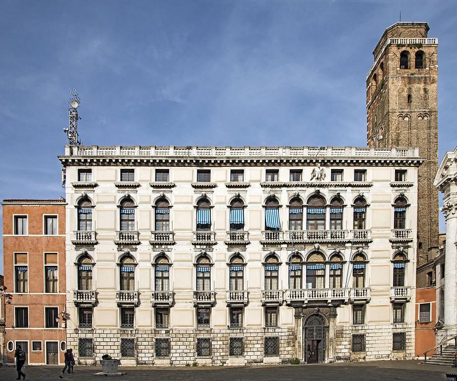 0-Palazzo-Labia-Venice-multiple-balconet-balconette-Juliet-balcony-in-architecture-exterior-design-