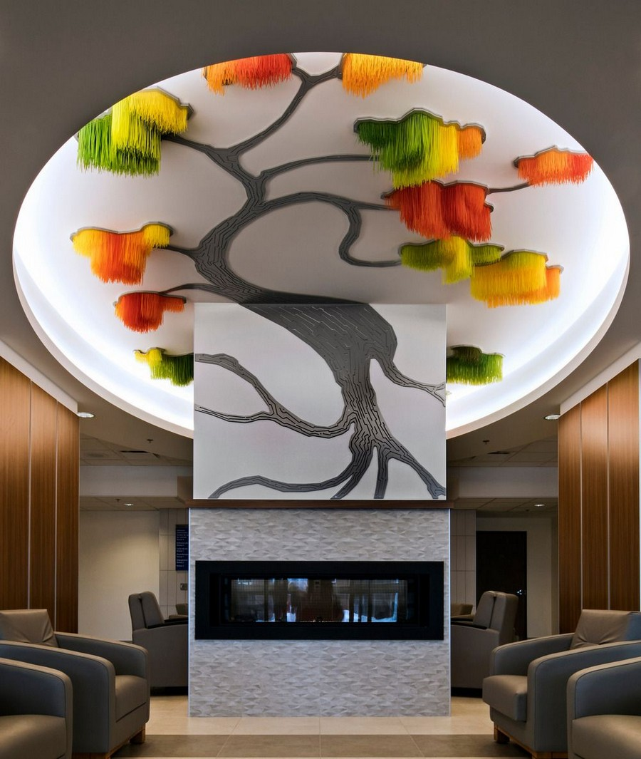 0-Sous-le-grand-arbre-racine-feuille-et-fleur-by-Elisabeth-Picard-CHSLD-Quebec-Canada-lobby-interior-tree-shaped-art-installation-ceiling-decor-gradient-ombre-effect-plastic-metal-aluminum-LED-lights-green-yellow-orange