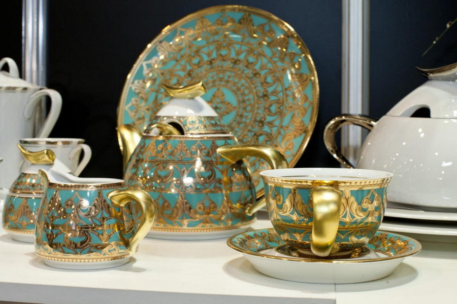 2-2-new-collection-of-tableware-and-home-decor-2017-Rudolf-Kämpf-blue-and-golden-turquoise