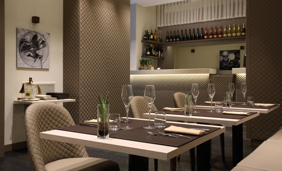 3-2-L'Essenziale-restaurant-cafe-bar-in-Milan-Italy-interior-design-elegant-neo-classical-style-powder-pink-beige-gray-colors-chair-tables-romantic-quilted-covers