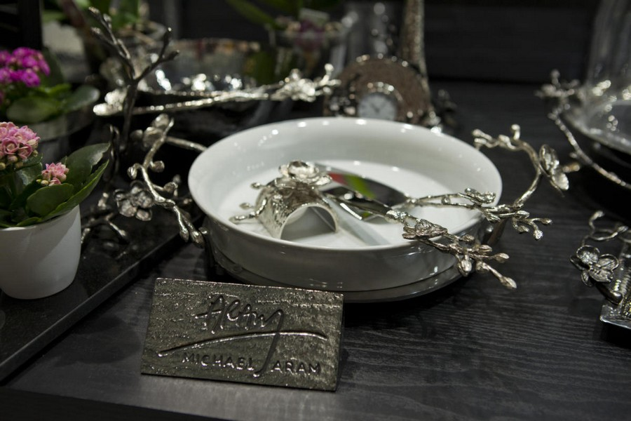 3-4-new-collection-of-tableware-and-home-decor-2017-Michael-Aram-silver-cutlery