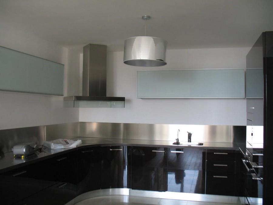 4-1-beautiful-creative-kitchen-backsplash-ideas-gray-stainless-steel-metal-countertop-black-base-cabinets-interior-design