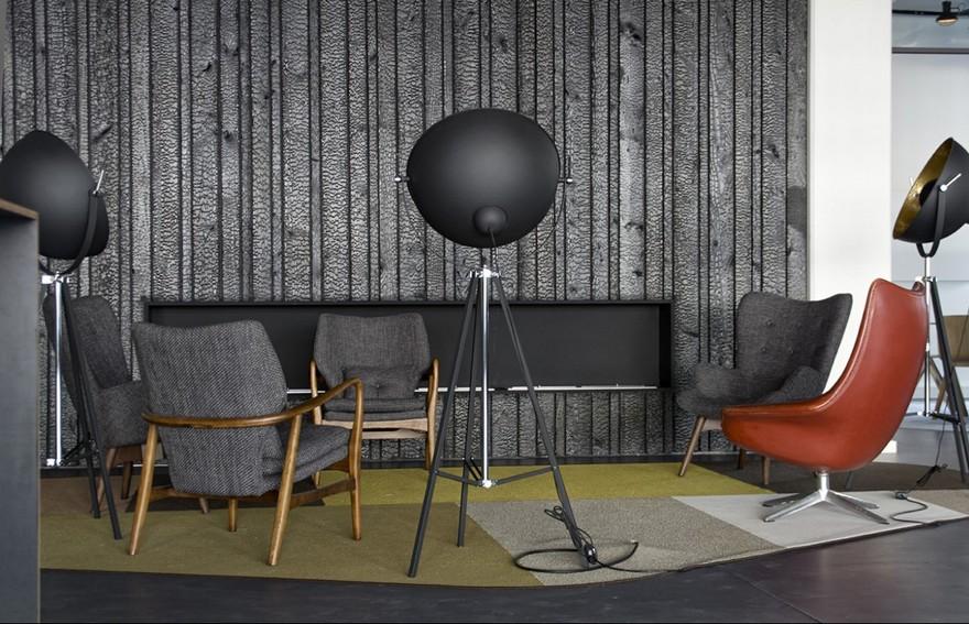 6-burnt-charred-wood-boards-black-in-studio-interior-design-wall