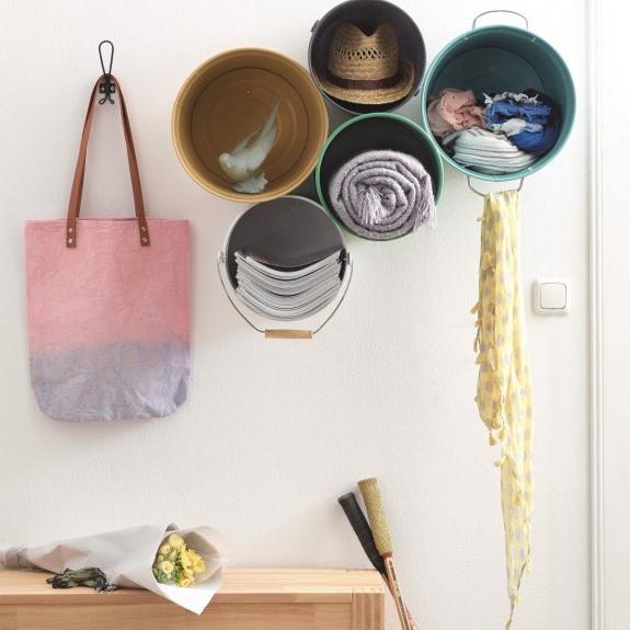 7-DIY-handmade-bucket-shelves-for-hallway-entrance-hall-vintage-rustic-style-organizer-scarves-hats-newsapers