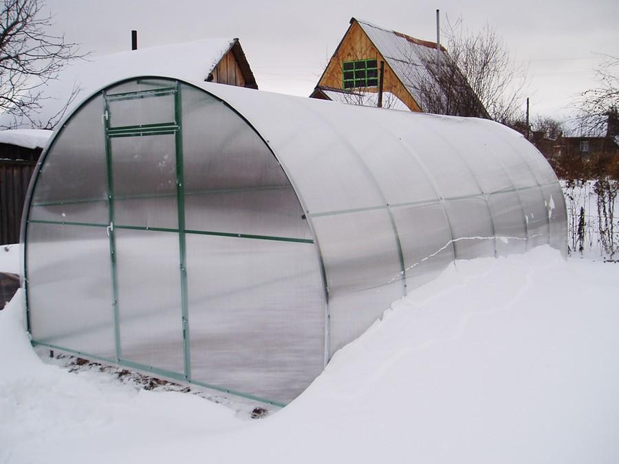 7-greenhouse-in-winter-snow-garden