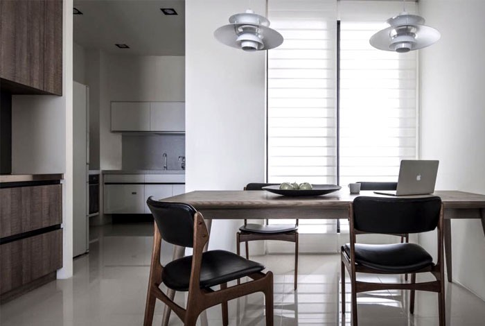 9-contemporary-minimalist-naturalistic-style-kitchen-dining-room-interior-design-white-walls-glossy-floor-gray-black-accents-wooden-cabinets-table-chairs