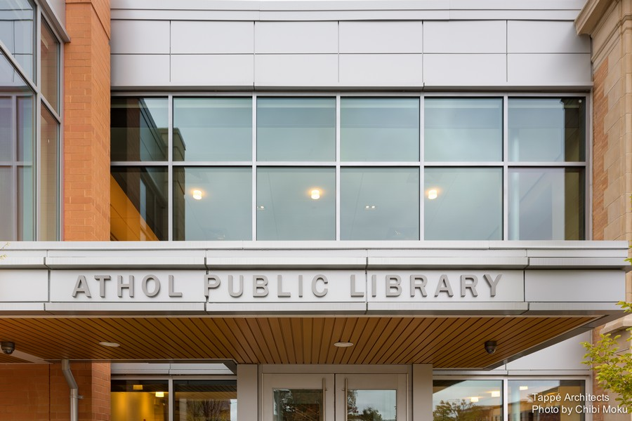 Tappe-Architects-small-town-LEED-platinum-Athol-Public-lbrary-Massachusetts-USA-exterior-design-entrance-sign-glassy-part