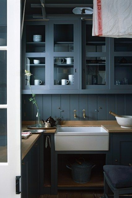 17-total-wood-wooden-countertop-worktop-backsplash-blue-kitchen-cabinets-set-interior-retro-style-faucets-white-sink-glass-display-cabinets