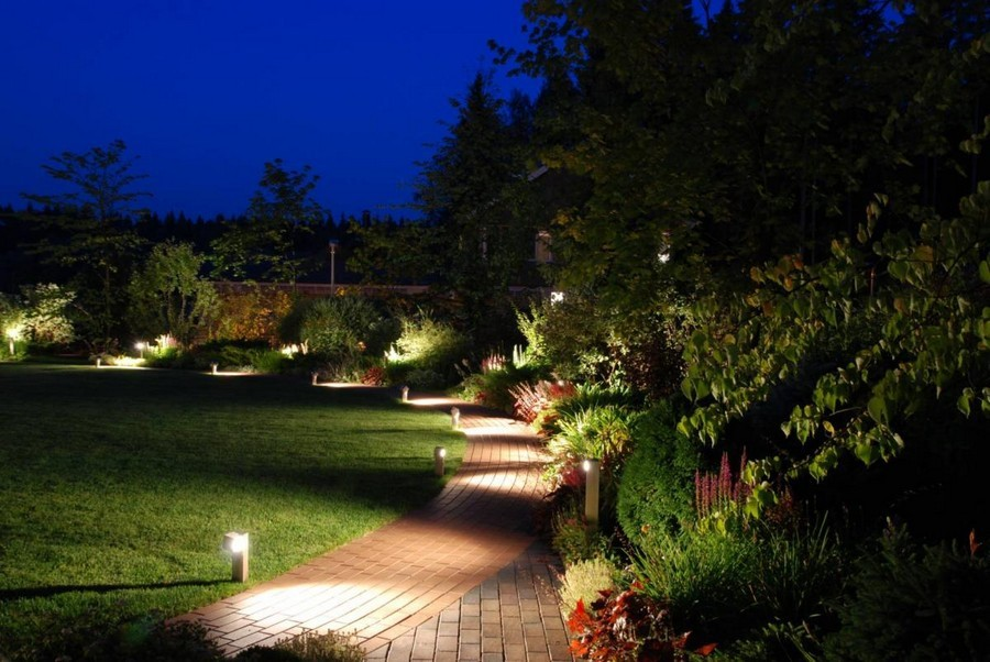 2-3-outdoor-garden-landscape-lighting-ideas-path-lights-walkway-illumination-mini-lamp-posts