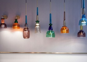 3-I-Flauti-hand-blown-Murano-glass-suspended-lamp-LED-bulb-hand-turned-brass-ring-design-by-Giopato-&-Coombes-Italy-multicolored