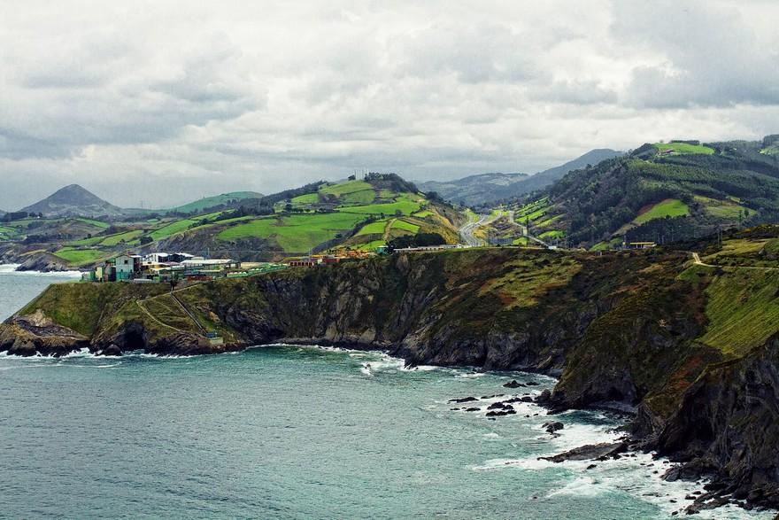 3-Spain-beautiful-landscape-sea-shore-coast-rocks-mountains