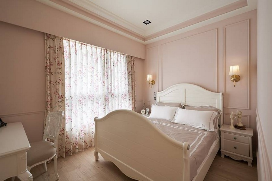 5-1-neo-classical-style-interior-neutral-beige-colors-bedroom-white-furniture-bed-wall-panels-lamps-sconces-nighstands-small-room-dressing-table-floral-curtains-romantic