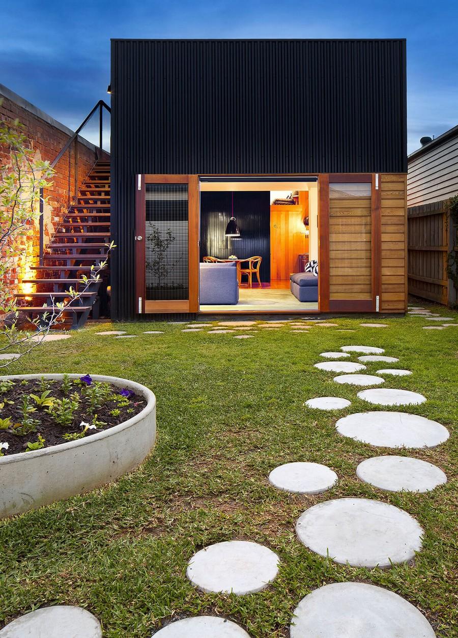 6-garden-path-design-landscape-walkway-round-circular-tiles-small-house-narrow-territory-front-yard