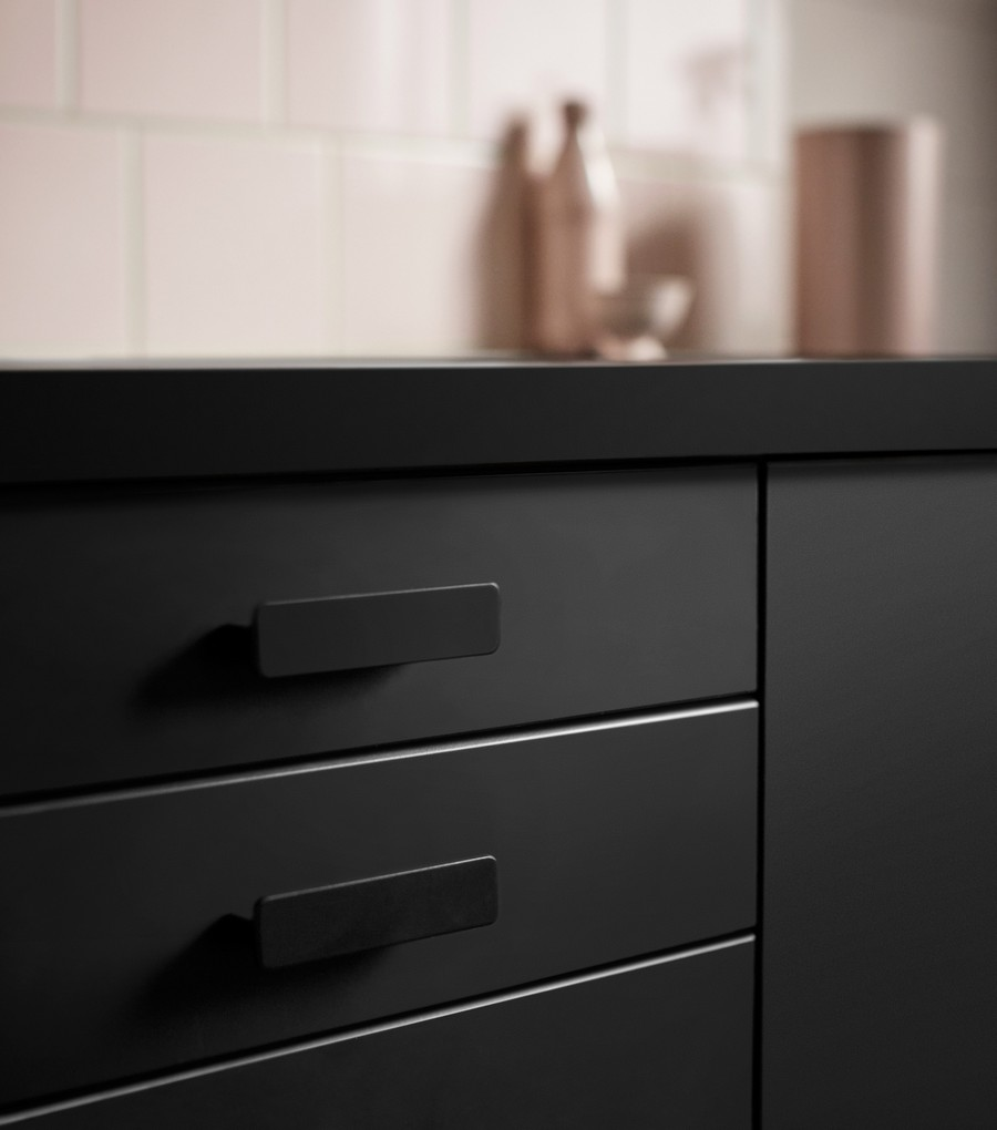 0-IKEA-Kungsbacka-anthracite-gray-dark-graphite-black-kitchen-cabinet-doors-set-made-from-recycled-plastic-PET-bottles-eco-friendly