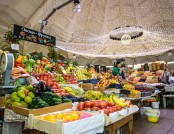 How Should a Food Market Be Designed to Attract Thousands of People?