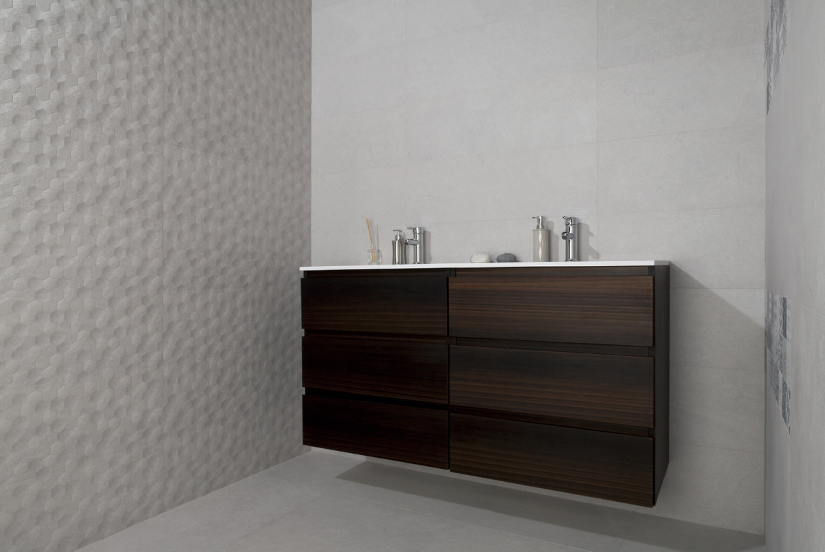 1-2-ceramic-tiles-in-bathroom-interior-design-white-with-3D-effect-gfaux-wood-vanity-unit-wash-basin-double-Azulev-brand-collection-2017