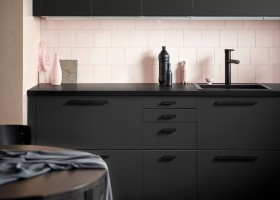 1-IKEA-Kungsbacka-anthracite-gray-dark-graphite-black-kitchen-cabinet-doors-set-made-from-recycled-plastic-PET-bottles-eco-friendly