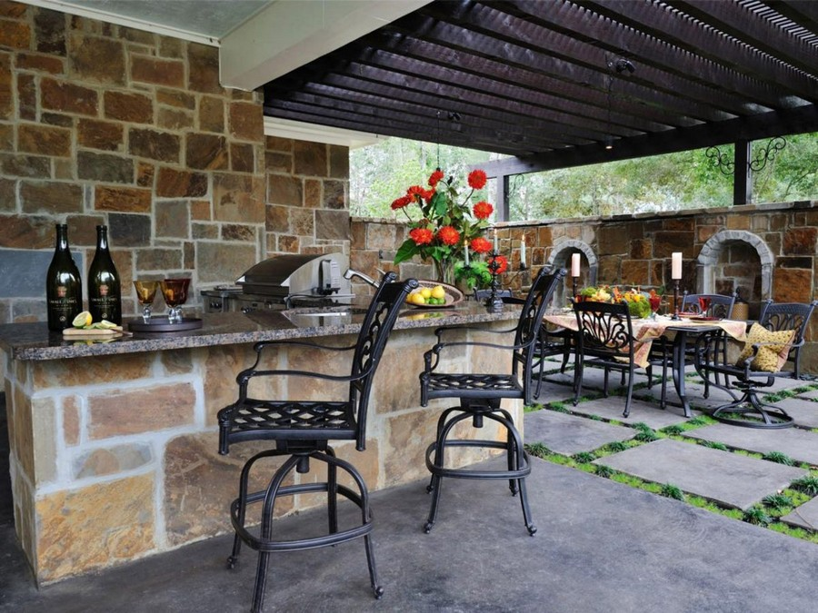 11-outdoor-summer-kitchen-interior-design-ideas-masonry-stone-metal-wrought-forged-bar-stools-dining-set-table-chairs