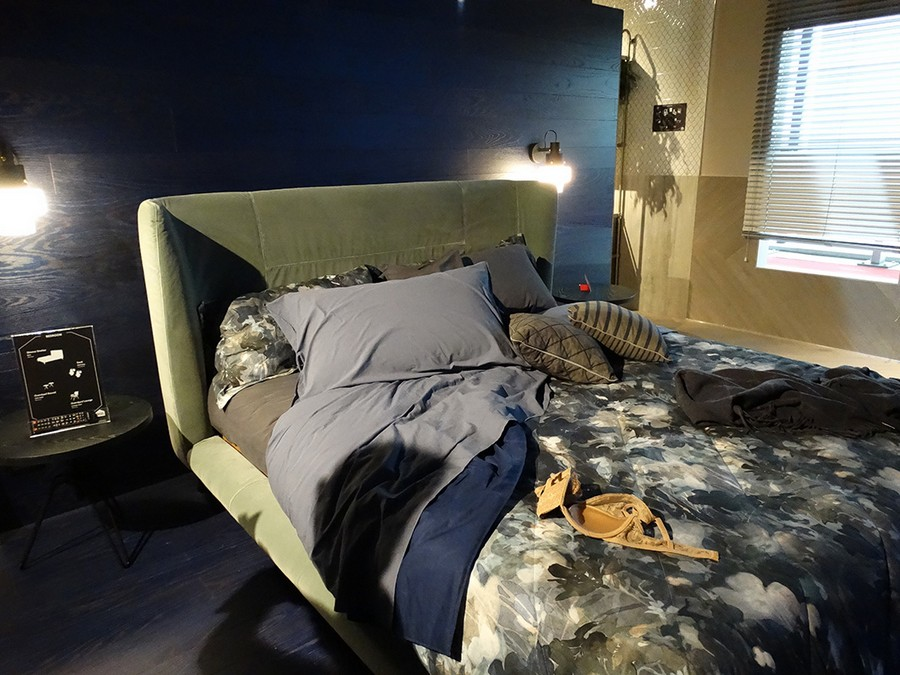 2-5-Diesel-new-collection-of-contemporary-style-furniture-at-Salone-de-Mobile-Exhibition-Milan-2017-upholstered-bed-home-textile