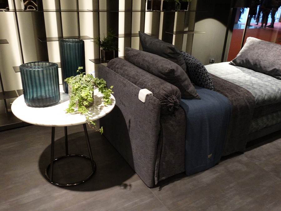 2-5-Flou-new-collection-of-contemporary-style-furniture-at-Salone-de-Mobile-Exhibition-Milan-2017-sofa-coffee-table