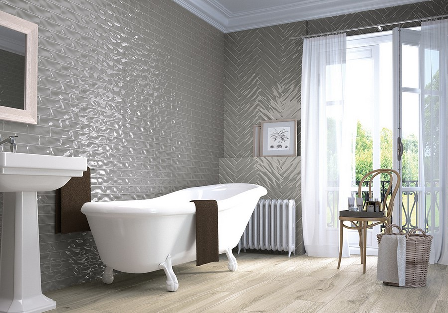 4-10-ceramic-tiles-gray-glossy-walls-in-bathroom-interior-design-faux-wood-light-floor-Saloni-brand-collection-2017
