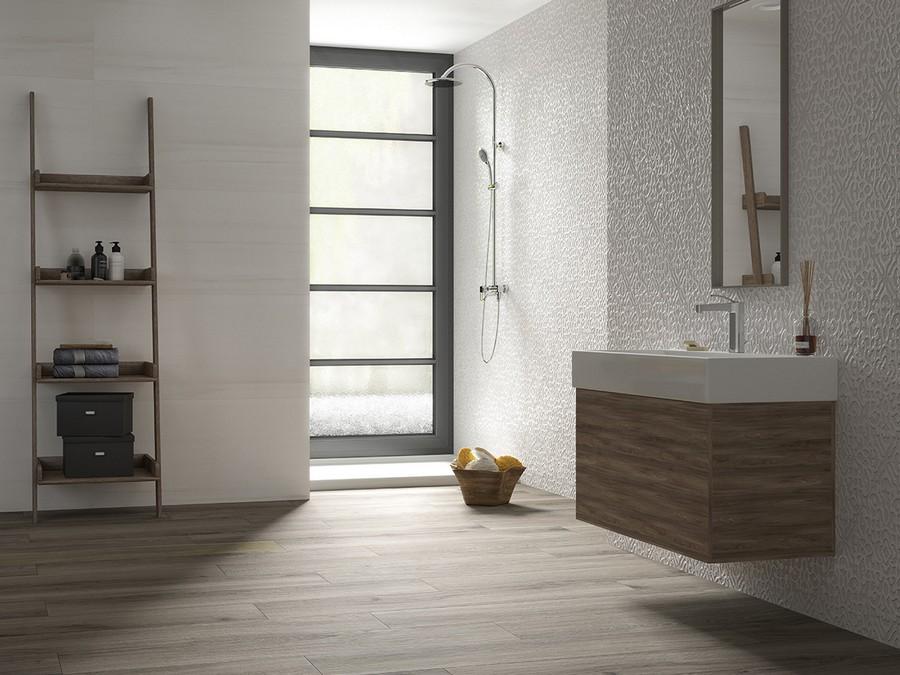 4-2-ceramic-tiles-in-bathroom-interior-design-faux-wood-Saloni-brand-collection-2017