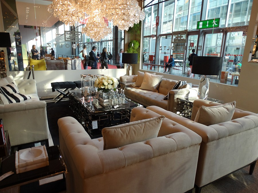 9-4-Eichholtz-new-collection-of-contemporary-style-furniture-at-Salone-de-Mobile-Exhibition-Milan-2017-sofas-arm-chairs-white-mirrored-glass-coffee-tables-chandelier