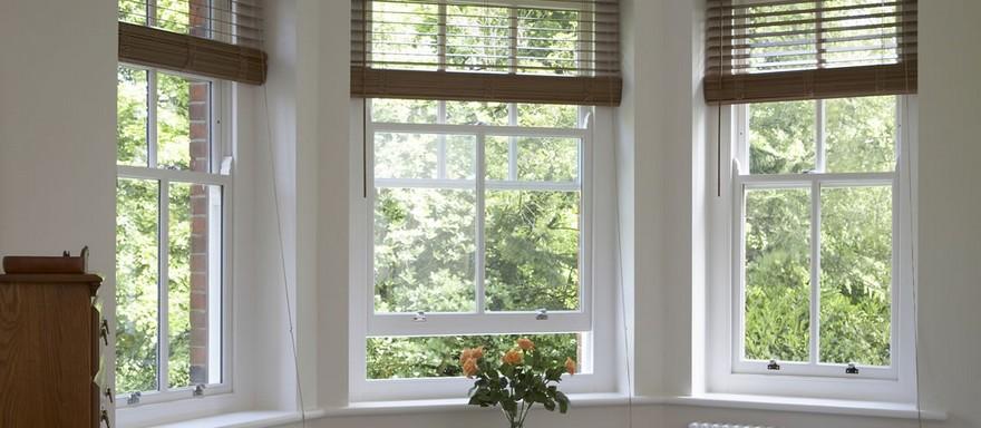 1-sash-windows-three-venetian-blinds