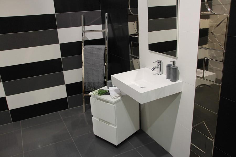 13-8-ceramic-tiles-in-interior-design-Azteca-brand-collection-2017-black-gray-white-monochrome-urban-style-wall-tiles