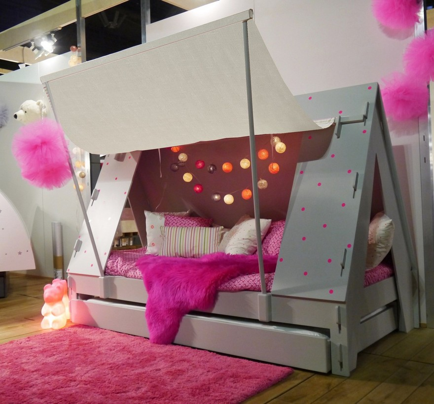 2-1-creative-interesting-non-standard-furniture-design-kids'-room-interior-wooden-teepee-wigwam-Indian-beds-Mathy-by-Bols-Belgium-girl's-pink