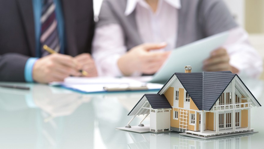 2-real-estate-agent-home-buyer-first-time-house-buyers-signing-papers