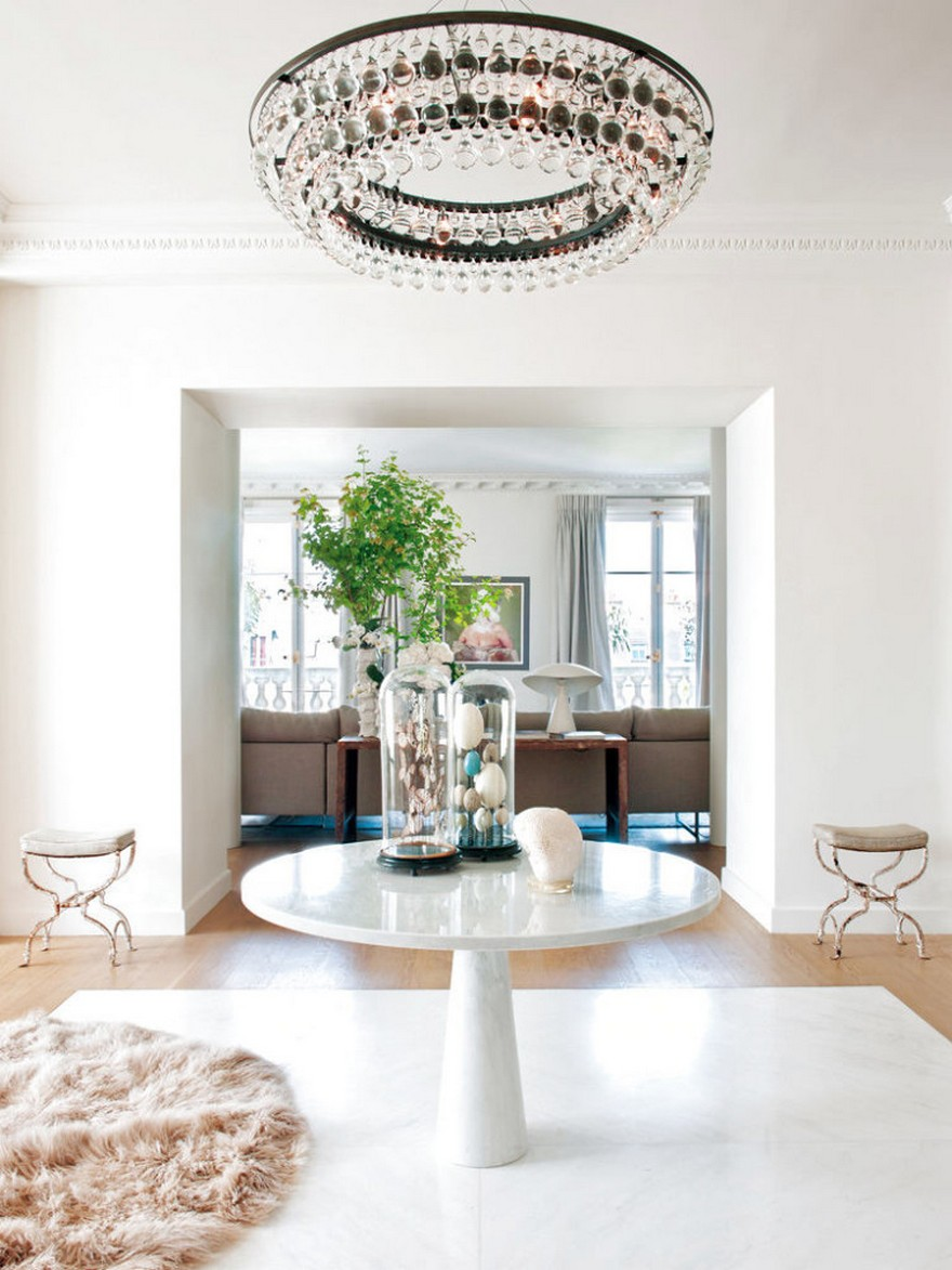 3-2-Paris-apartment-interior-design-contemporary-style-by-Stephane-Olivier-light-white-walls-pastel-colors-luxurious-corridor-Mongolian-sheep-woolen-rug-marble-table-symmetrical-furniture-chandelier