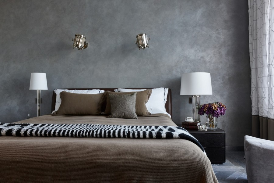 3-2-contemporary-style-interior-design-bedroom-gray-walls-bed-bedside-lamps-nighstands-brown-cover-bedspread-bicolor-curtains-wall-lamps-black-and-white-blanket